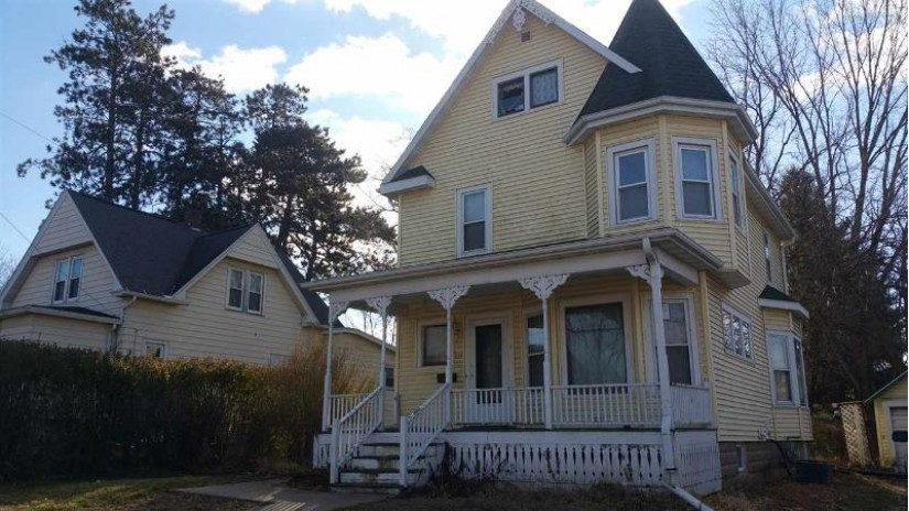 337 W Main St Reedsburg, WI 53959 by Century 21 Affiliated $49,900