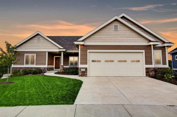 248 Greenway Cir, Deerfield, WI 53531