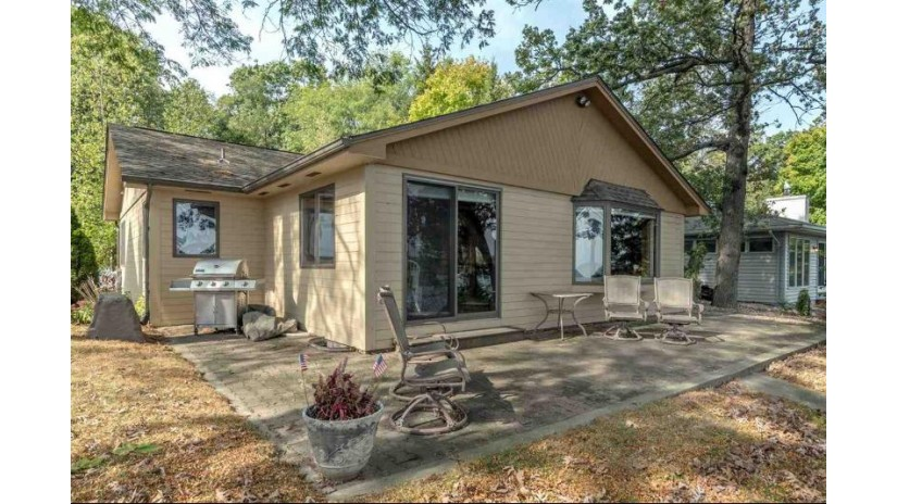 N6668 Shorewood Hills Rd Lake Mills, WI 53551 by Re/Max Community Realty $695,000