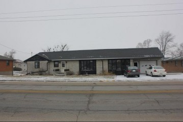 219 S Main St, Dickeyville, WI 53808
