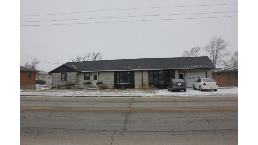 219 S Main St Dickeyville, WI 53808 by Century 21 Affiliated $99,900