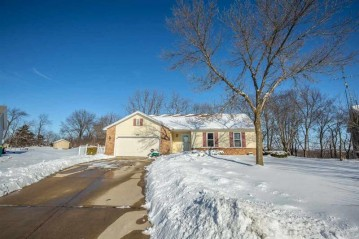902 Anna Ct, Waterloo, WI 53594-1160