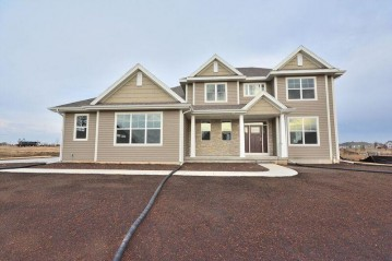 8090 W Mourning Dove Ln, Mequon, WI 53097-1207