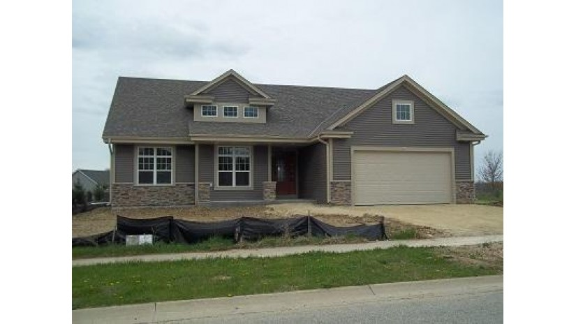 551 Yellowstone Dr Hartford, WI 53027-8647 by Kaerek Homes, Inc. $289,990