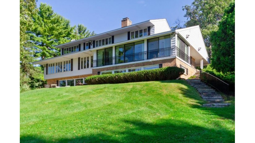 31679 W Muscovy Rd Chenequa, WI 53029 by @properties $4,300,000