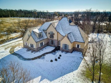 13350 N Silver Fox Dr, Mequon, WI 53097