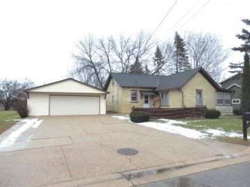 113 Bonner St, Watertown, WI 53098-2407