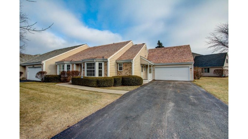 10604 N Winslow Dr Mequon, WI 53092 by Powers Realty Group $379,900
