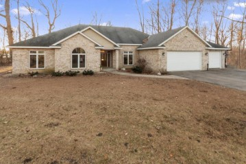 5680 Island View Ct, Waterford, WI 53185