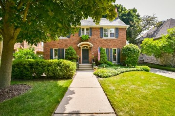 4454 N Maryland Ave, Shorewood, WI 53211