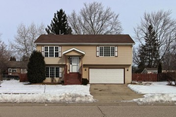 1910 Sunset Dr, Twin Lakes, WI 53181-9235