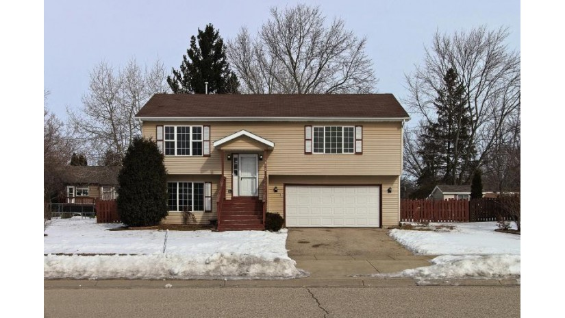 1910 Sunset Dr Twin Lakes, WI 53181-9235 by EXP Realty, LLC~Milw $219,000