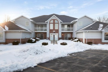 1274 Village Centre Dr 6, Somers, WI 53144-7270