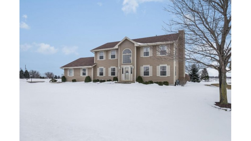 1500 98th Ave Somers, WI 53144-7782 by Re/Max Leading Edge $299,900