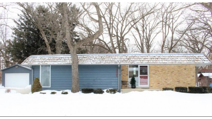 1225 97th Ave Somers, WI 53144-7713 by Century 21 Affiliated $279,900