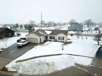 334 Stohr Ave, Twin Lakes, WI 53181