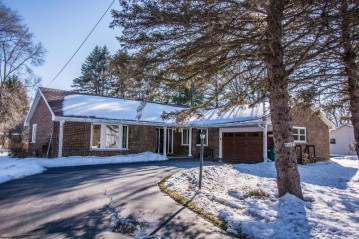 W1433 Highland Blvd, Bloomfield, WI 53128