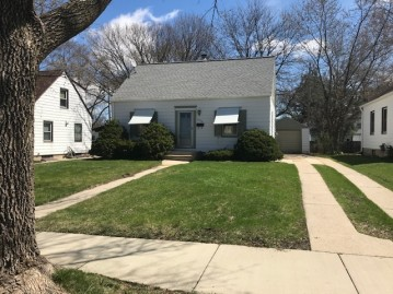 2972 S 55th St, Milwaukee, WI 53219-3348