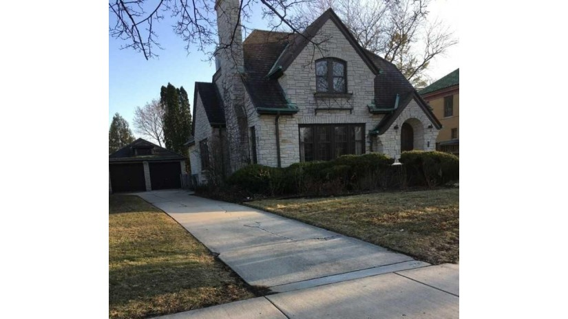 5221 W Washington Blvd Milwaukee, WI 53208-1706 by Ogden, The Real Estate Company $354,900