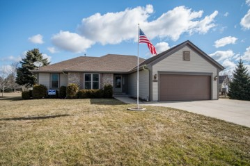 506 Eastwood Ct, Eagle, WI 53119-2268