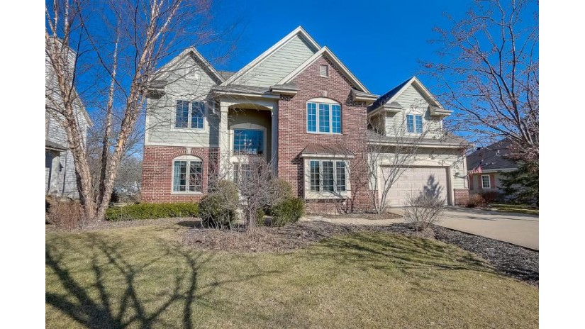 8152 W Woodfield Dr Franklin, WI 53132-8386 by First Weber Inc- Greenfield $575,000