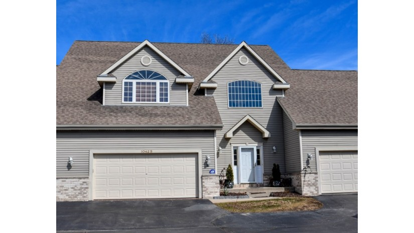 1042 Quinlan Dr B Pewaukee, WI 53072-1883 by Shorewest Realtors $230,000