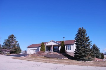 324 Mueller Ave, Twin Lakes, WI 53181-9258