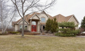 4818 Wood Duck Way, West Bend, WI 53095-9196
