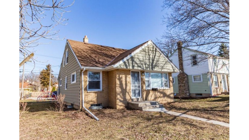 2136 S 108th St West Allis, WI 53227-1106 by Keller Williams Realty-Milwaukee North Shore $194,900