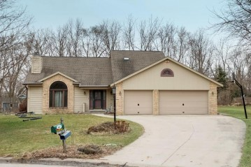 W175S6885 Marybeck Ct, Muskego, WI 53150