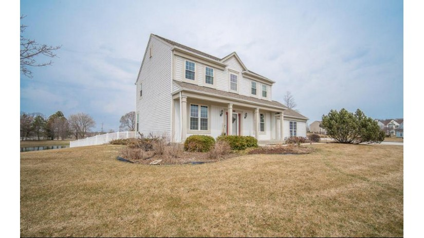 5030 W Forest Hill Ave Franklin, WI 53132-8660 by RE/MAX Realty 100 $345,900