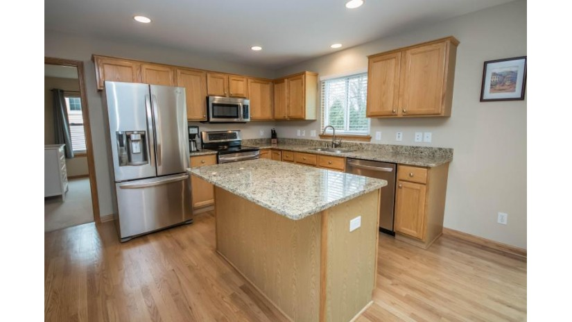 1900 Wexford Ln Waukesha, WI 53186-1252 by Benefit Realty $303,000