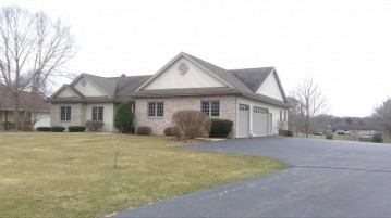 39805 Lake Park Ct, Randall, WI 53128-1293