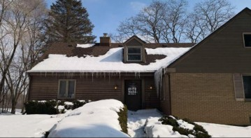 1690 Aqua View Ct, Grafton, WI 53012