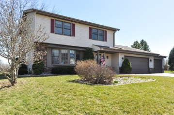 W161S7484 Erin Ct, Muskego, WI 53150-9714