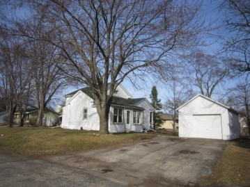 2170 Division St, East Troy, WI 53120-1239