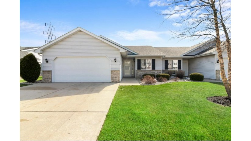 1909 27th Ave 7 Kenosha, WI 53140-4695 by Coldwell Banker Real Estate One $189,900