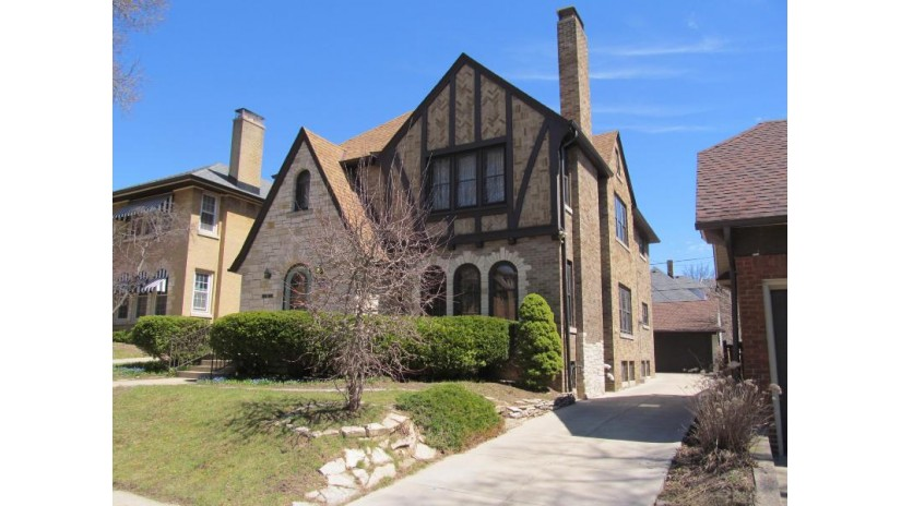 1722 N 56th St Milwaukee, WI 53208-1602 by Minette Realty, LLC $319,900