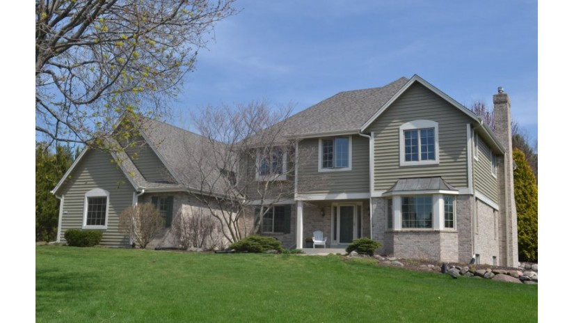 3270 Dartmouth Dr Brookfield, WI 53005-2773 by Shorewest Realtors $629,900