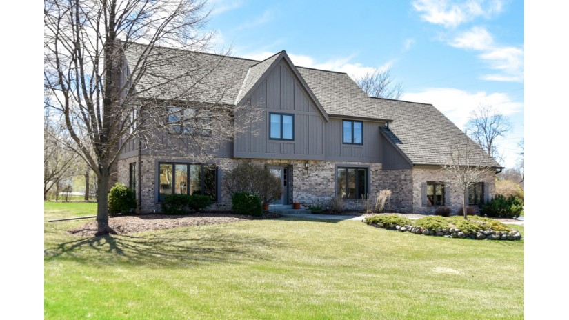 19875 Tyrone Ct Brookfield, WI 53045-2148 by Shorewest Realtors $549,900