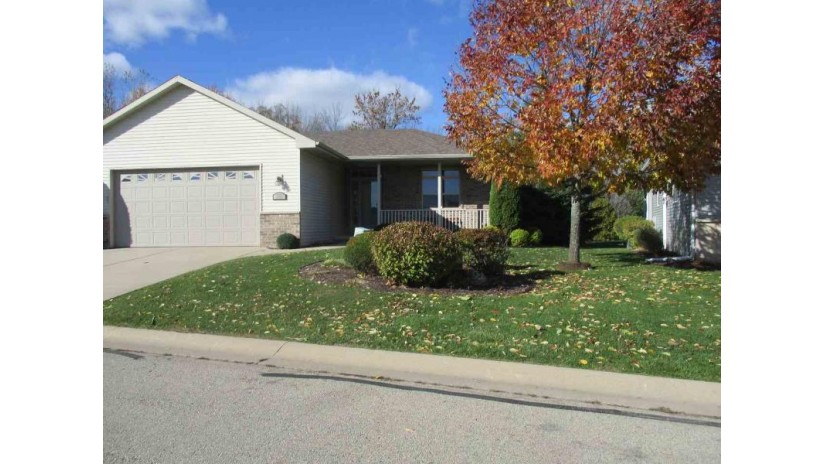 2046 WISTERIA Circle Suamico, WI 54173-3271 by Mark D Olejniczak Realty, Inc. $238,900
