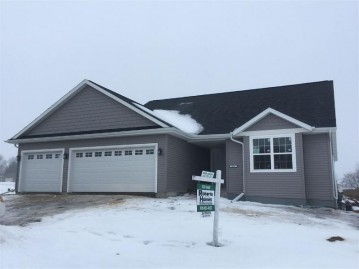 391 LEONA Way, Oakfield, WI 53065
