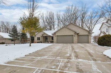 1551 MAPLE HILLS Drive, Howard, WI 54313-3913