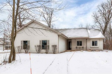 301 SPICEWOOD Court, Wrightstown, WI 54180-1215