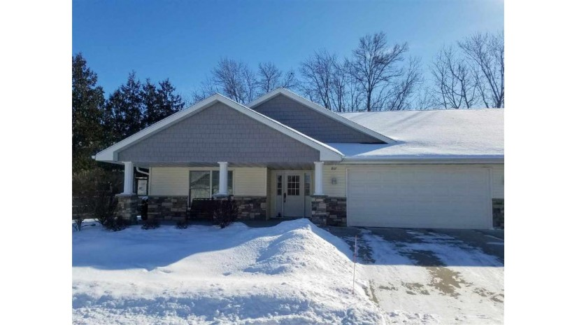 802 W COOK Street New London, WI 54961 by Coldwell Banker Real Estate Group $189,900