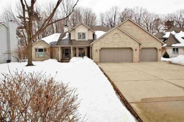 1052 COPRINUS Court, Howard, WI 54313-4208
