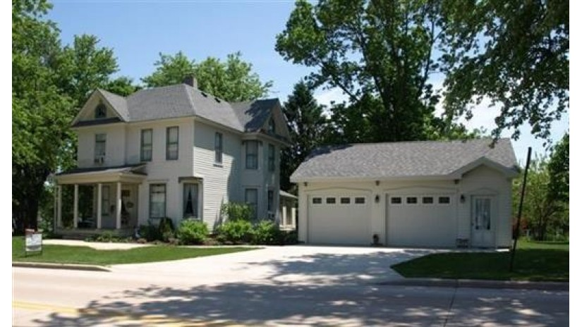 121 Dodge St Mineral Point, WI 53565 by Potterton-Rule Inc $194,900