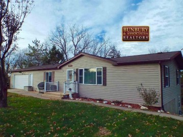 839 Pleasant St, Mineral Point, WI 53565