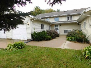 825 Cole St, Spring Green, WI 53588