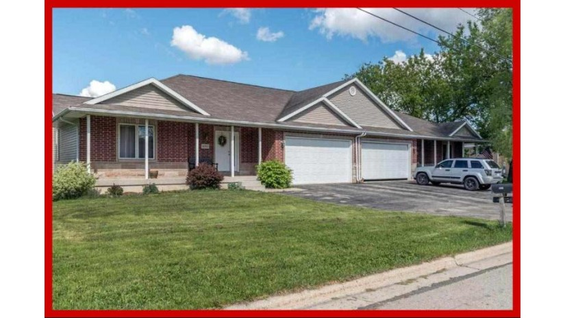 490 Prairie Ave Lake Mills, WI 53551 by Re/Max Community Realty $299,900
